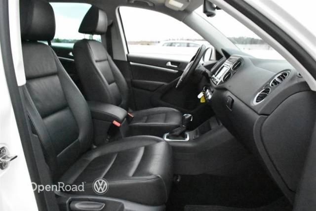 http://used.openroadcanada.com/media/Preowned/34764/mediums/11.jpg
